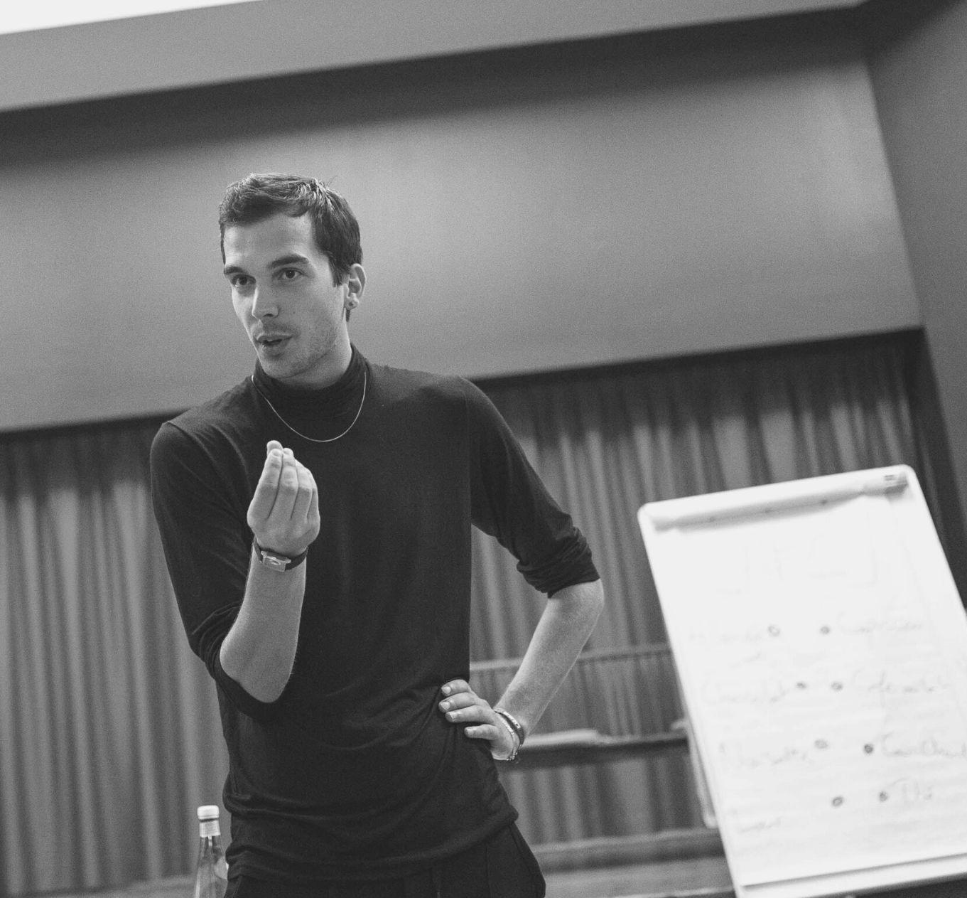 Cyprien Messin animateur formateur en théâtre forum à l'attelage