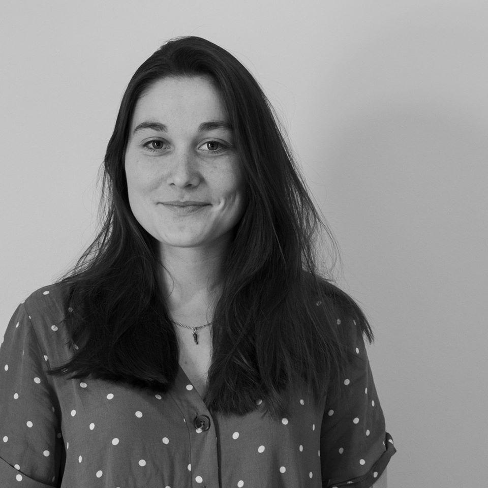 Frédérique Jégu animatrice - formatrice théâtre forum à l'attelage